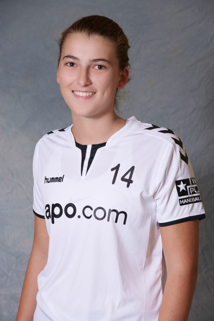 Jana Hackenbroich