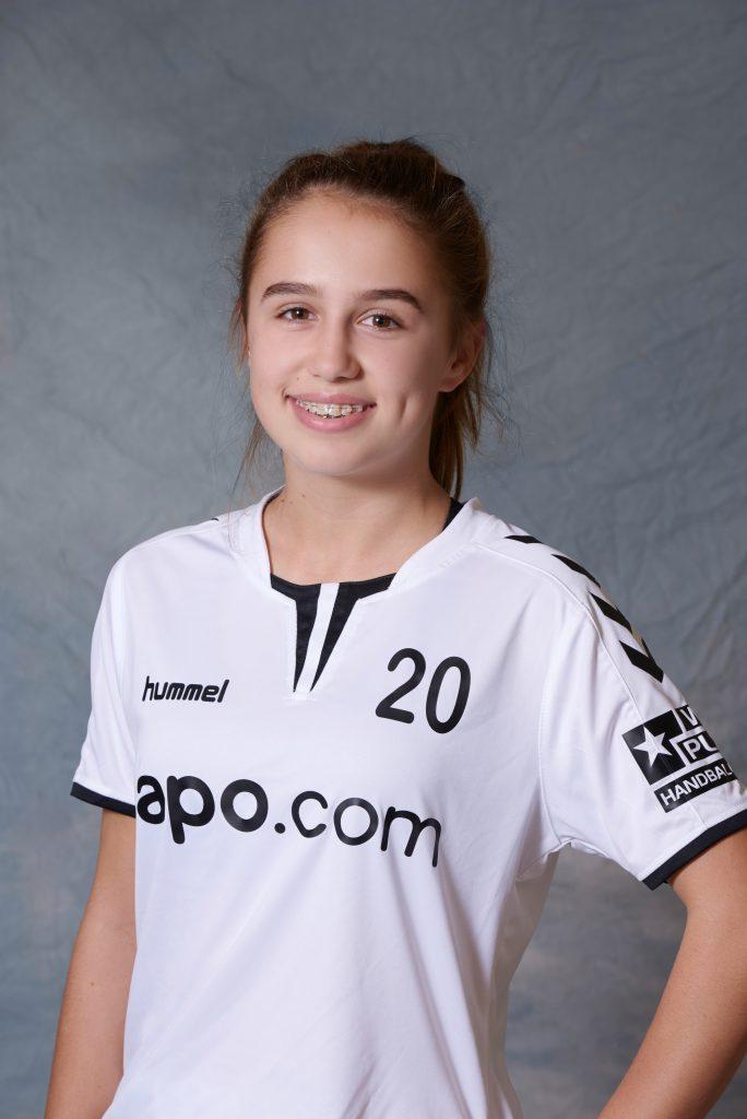 Laura Kuzman